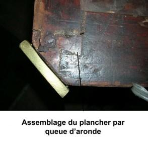 queue_aronde_plancher_de_commode