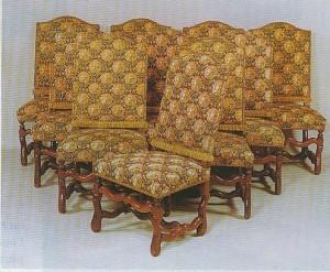 Chaise de style Louis XIV avec des pieds en os de mouton