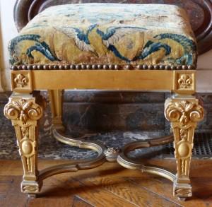 Tabouret à piétement en X en bois Doré Louis XIV
